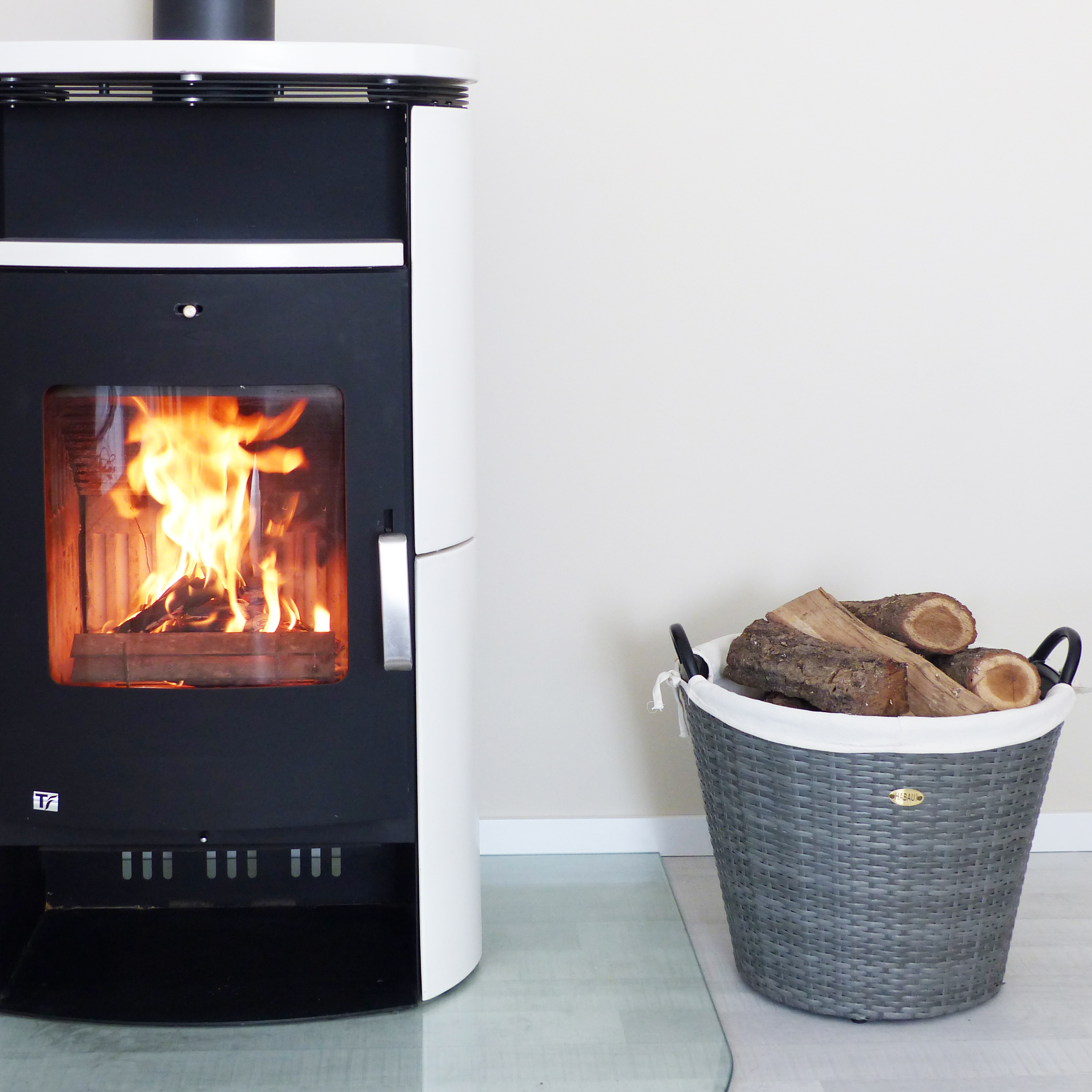 HABAU Feuerholzkorb aus Polyethylen - Anwendungsbeispiel - 2724